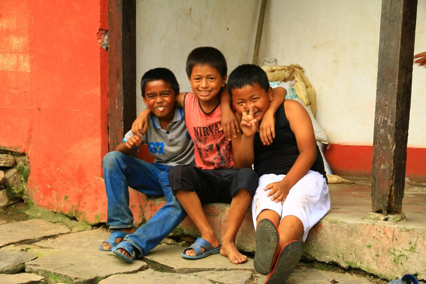 Kinder im Annapurna Gebiet