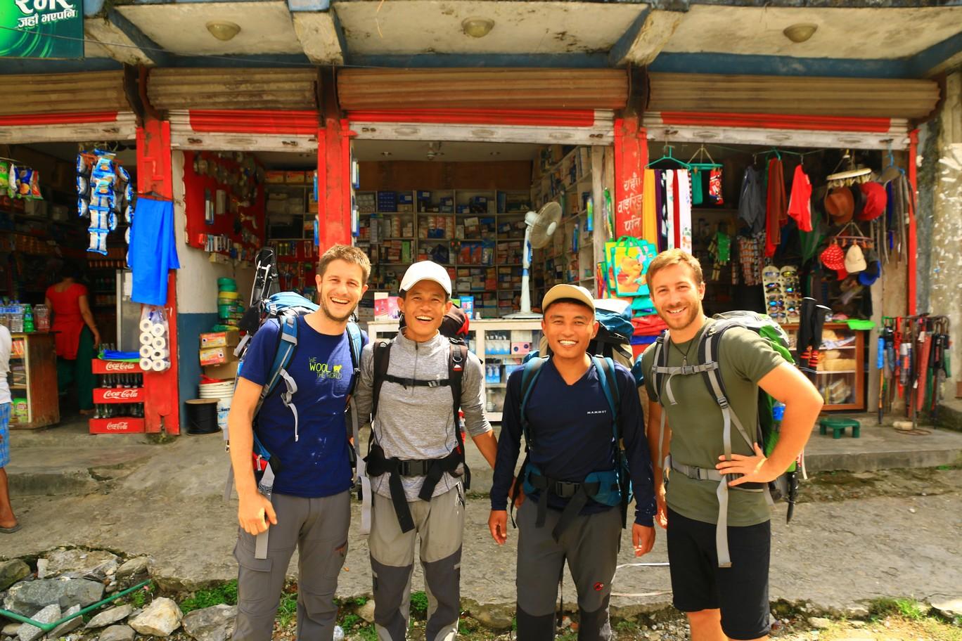 Die Annapurna Gang: Mani, Asal, Tara, Heiko (v.r.n.l.)